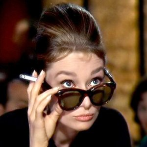 audrey-hepburns-breakfast-at-tiffanys-inspired-eye-makeup-1