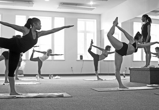 10_Best_Bikram_Studios_Bikram_Yoga_Create_Community_HArticle_Embed