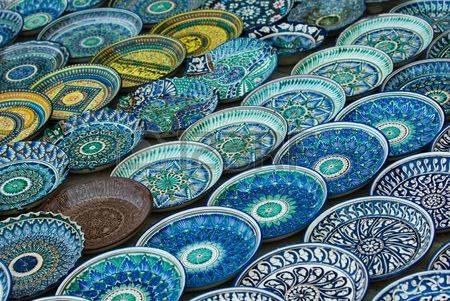 3327604-hintergrund-des-traditionellen-usbekischen-keramische-platten.jpg